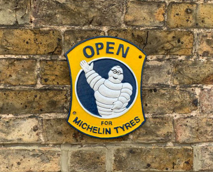 Open for Michelin plaque