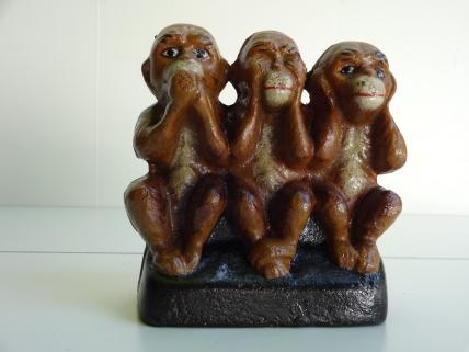 Three wise monkeys bank