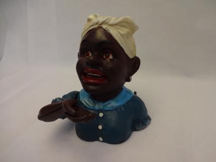 Negro woman bank