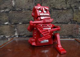 Robot moneybox -red