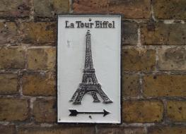 Eiffel Tower sign