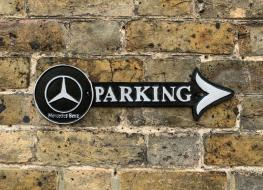 Mercedes parking arrow sign