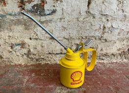 Shell decorative oil applicator