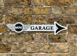 Mini garage arrow plaque