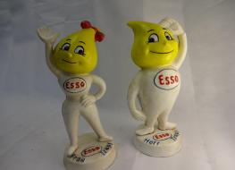 Pair Esso figure banks